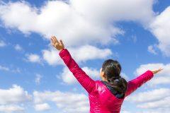 双極性障害(そううつ病)で気分高揚、過活動の女性